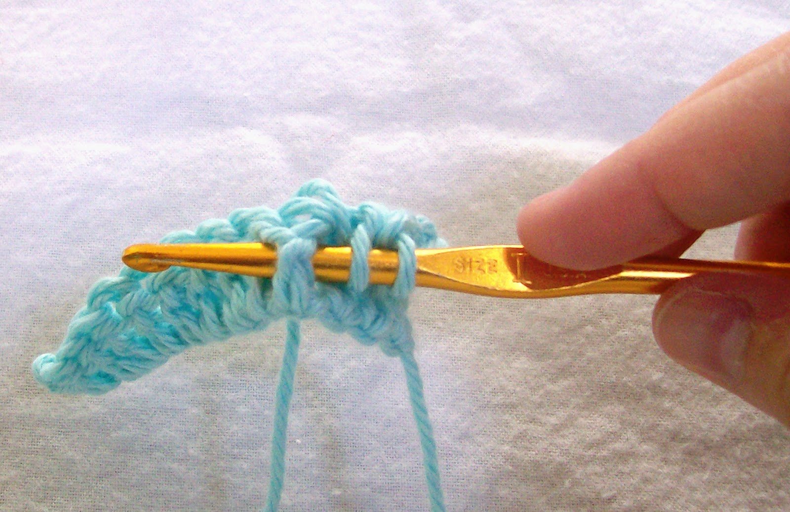 how to crochet a front post stitch or back post stitch, tutorial by April Garwood of Banana Moon Studio