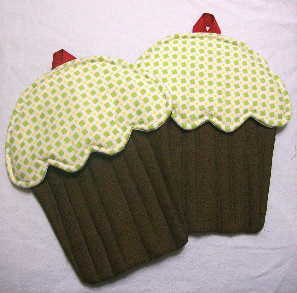Handmade cupcake potholders made for April Garwood of Banana Moon Studio by her sister.