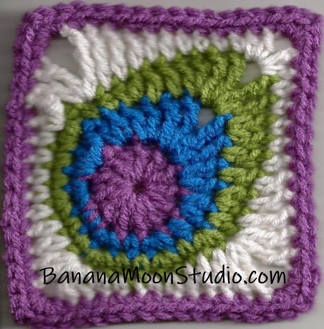 crochet peacock feather granny square from Banana Moon Studio