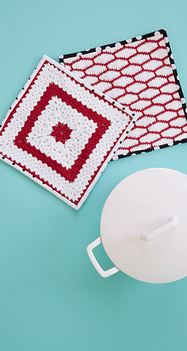 Christmas potholders crochet pattern by April Garwood of Banana Moon Studio for Crochet Today
