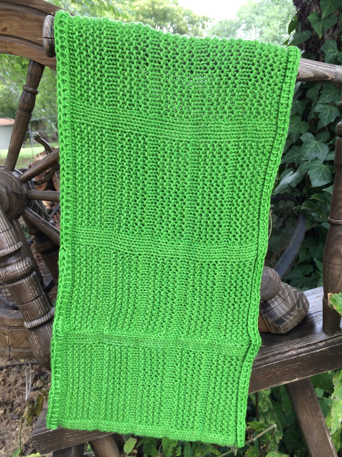 Get this easy cowl knitting pattern free with email subscription from Banana Moon Studio!