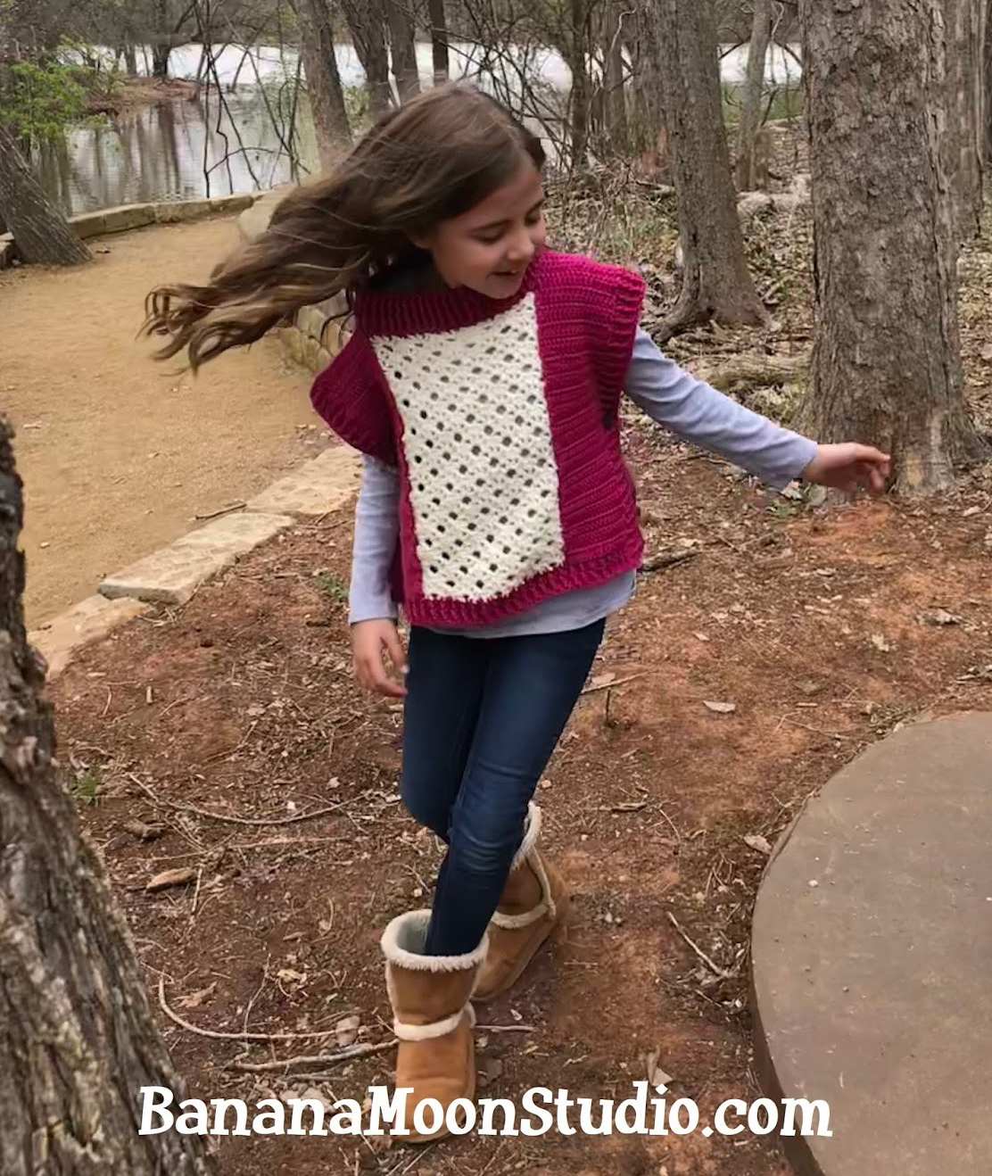 Learn how to make this cute girls poncho! Free crochet pattern and how-to videos from Banana Moon Studio