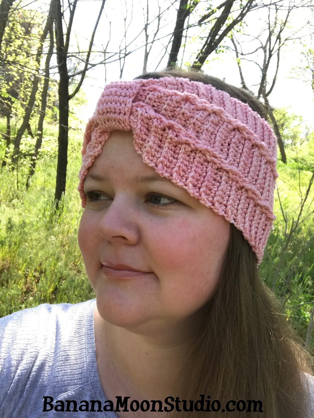 Crochet headband pattern by April Garwood of Banana Moon Studio