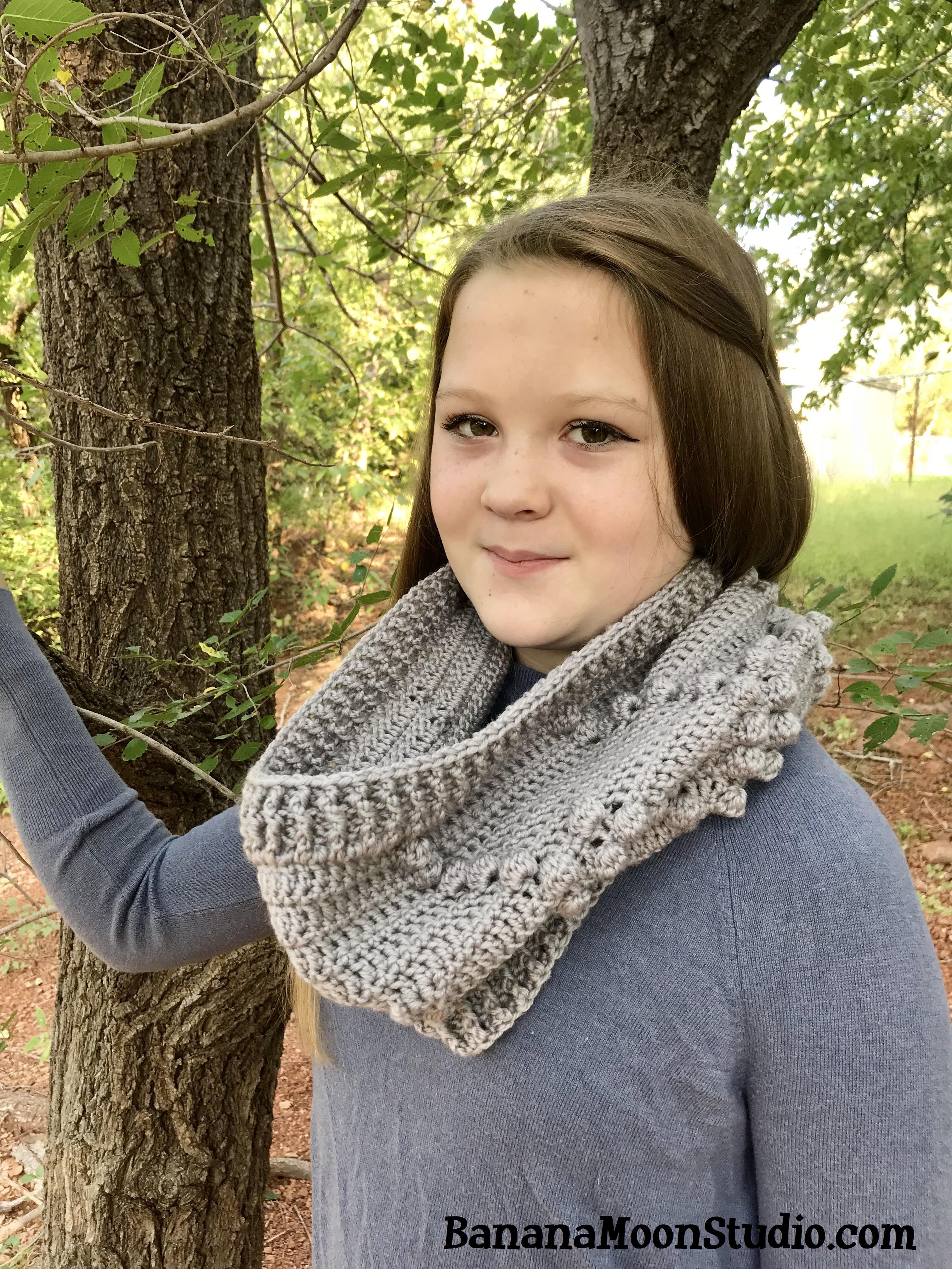 Crochet cowl in Chic Sheep yarn, pattern by April Garwood of Banana Moon Studio