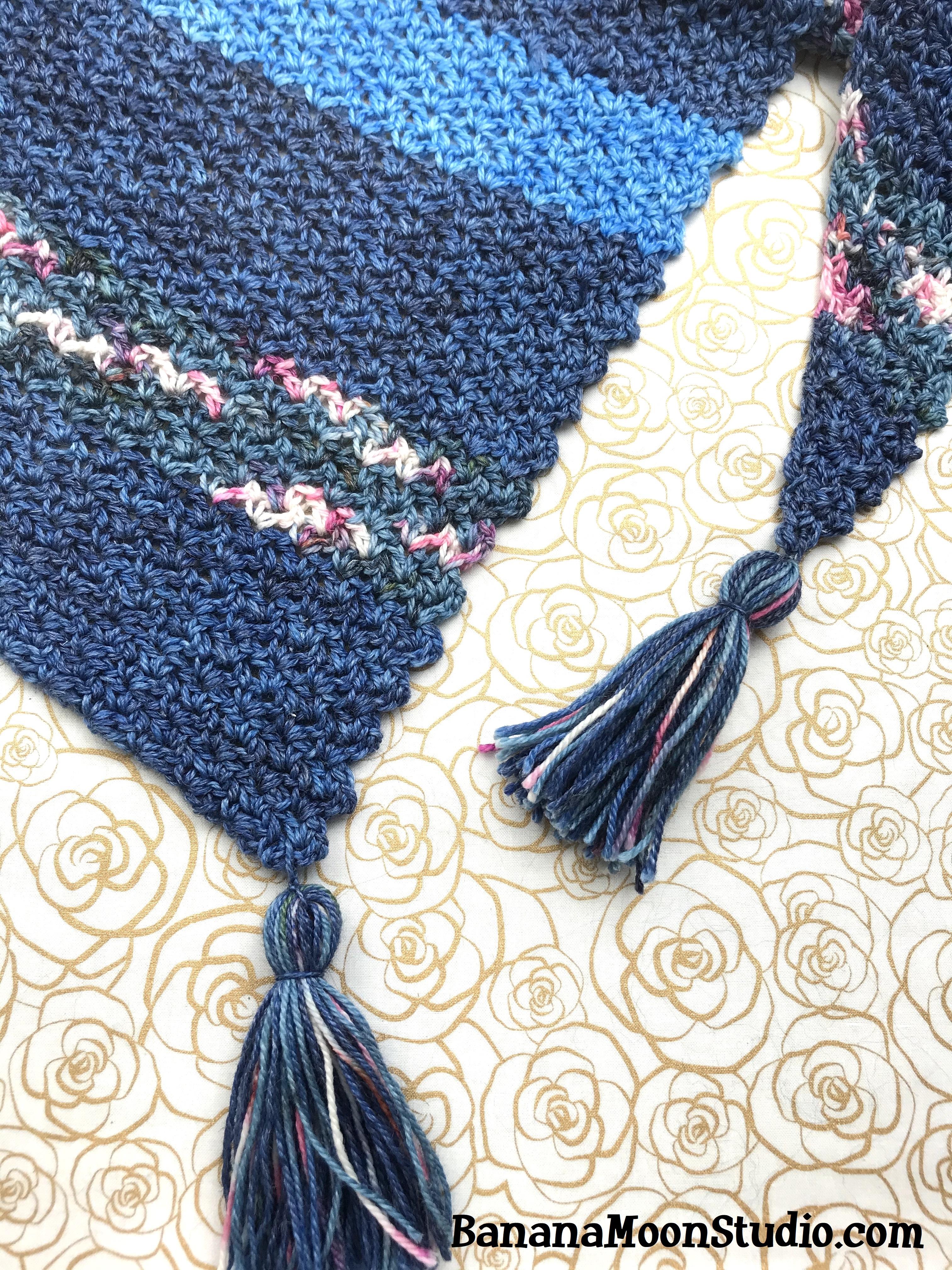 Free crochet pattern for a shawl from Banana Moon Studio