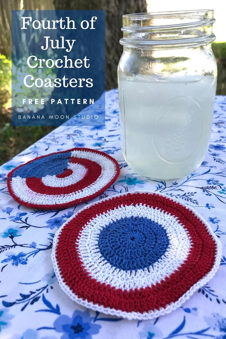 Crochet these cute coasters for the Fourth of July! #crochet #fourthofjuly