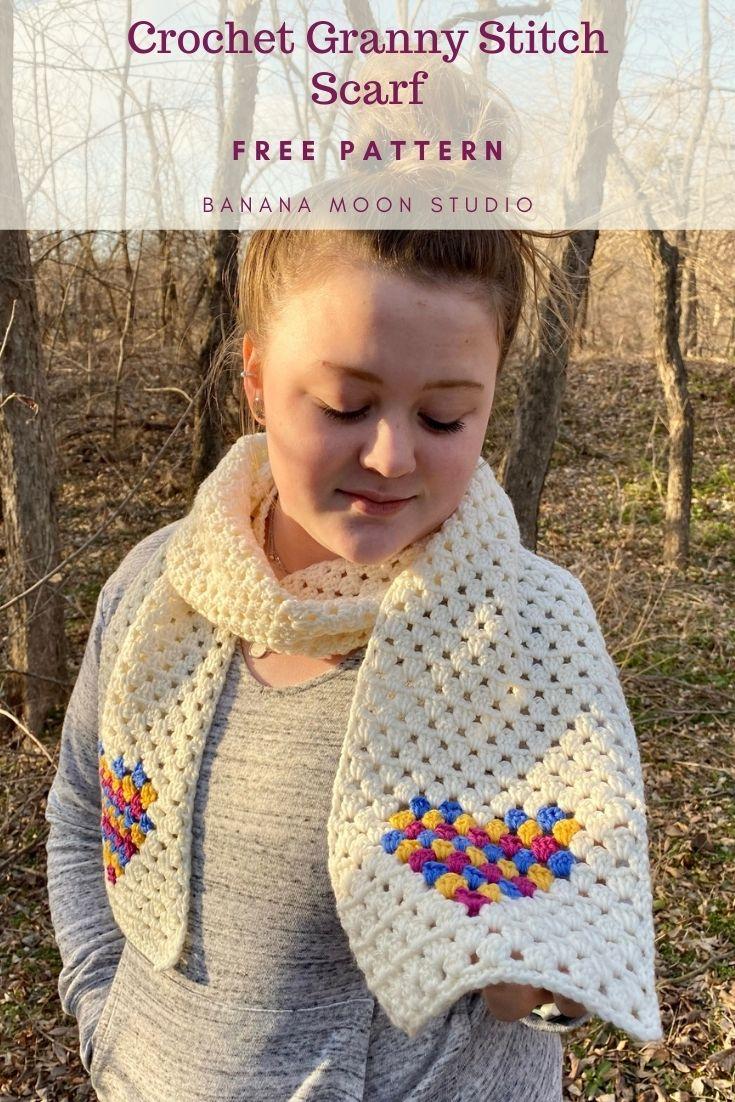 Crochet scarf pattern free from Banana Moon Studio