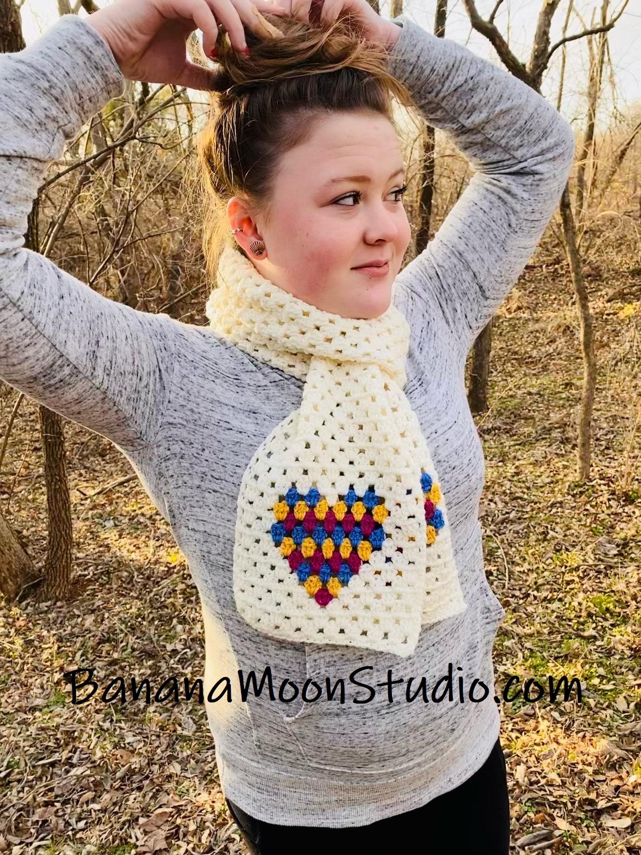 Valentine crochet patterns free, from Banana Moon Studio