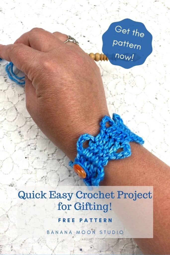 Bruges Bracelet is an easy, free crochet pattern from Banana Moon Studio! This crochet bracelet is great for using up scraps and for gifting!