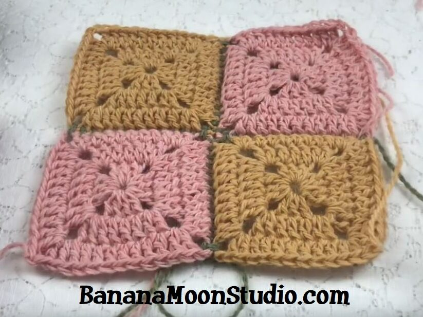 Learn to join crochet squares together with your crochet hook! Video tutorial from Banana Moon Studio. #howtojoincrochetsquares #howtojoingrannysquares