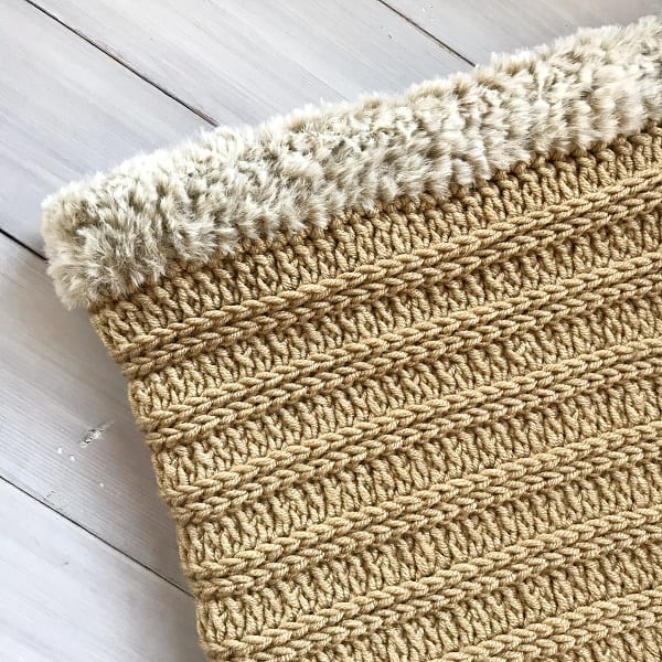 Sandy Shores Baby Blanket from Simply Hooked by Janet, a bulky crochet blanket pattern.