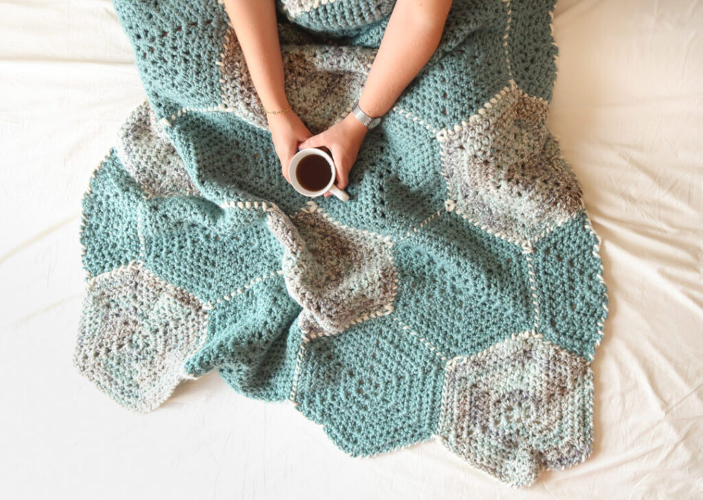 Hexagon Flower Blanket from Knitting With Chopsticks.